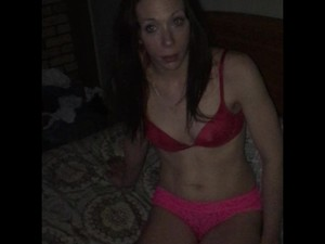 Pussy to shows gang girl her
