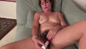 Mature american housewife with very hairy pussy