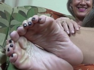 Feet Jerk Off Instruction