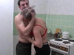 Mature hookup fuck in the kitchen