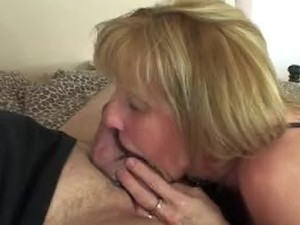 Mature blonde  fucked by hookup stranger
