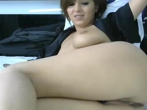 Hot Brunette Shaking And Squirting From Ohmibod Play
